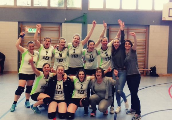 Volleyball Damen meistern Relegation